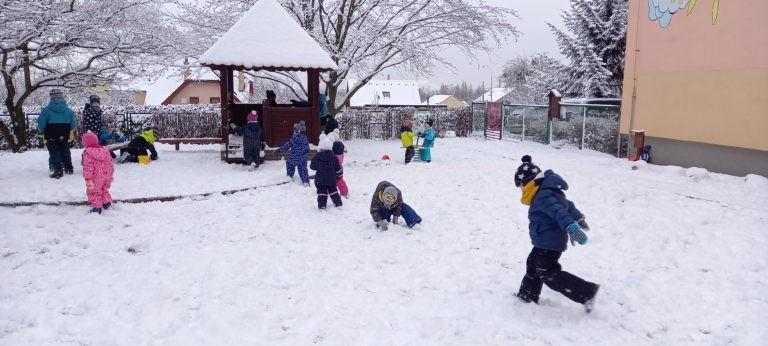 Sněhové radovánky U sedmikrásky 2